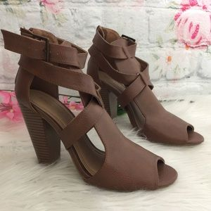 Bamboo Caramel Colored Stack Heel Strappy Shoe 7.5